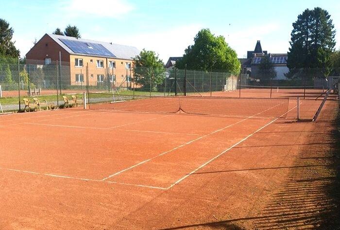 Notre court de Tennis